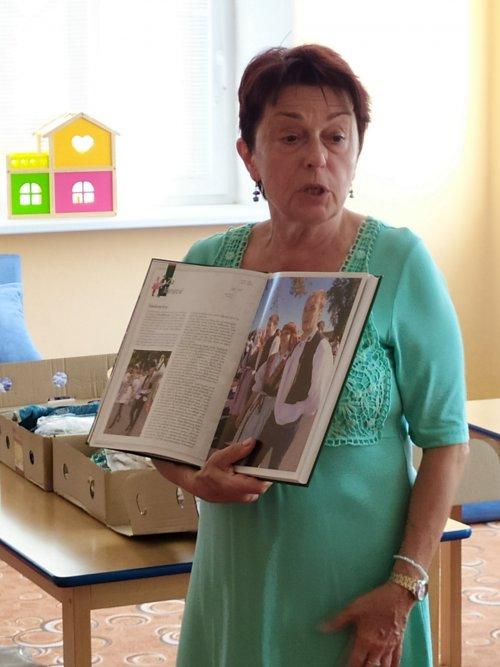 Přednáška o krojích paní Mgr. Hany Maráškové