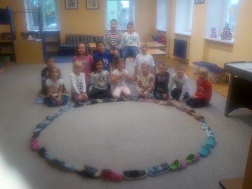 Vytváříme kruh s přezůvek